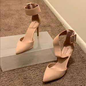 Only worn twice 3 1/2 in heels